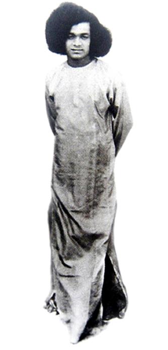 Sathya Sai Baba from Puttaparthi 1946